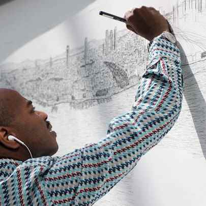 Stephen draws Istanbul skyline - Elevate Houston Photos