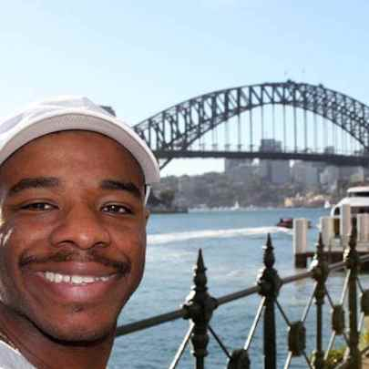 image_library/full/Stephen_Wiltshire_MBE_at_Sydney_Harbour_Bridge.jpg - Stephen Wiltshire media archive