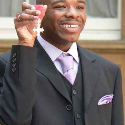 Stephen receives MBE 2006 - Image library